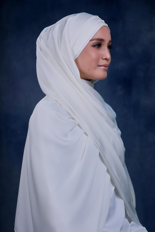 SHAWL INNER WITH PLEATS IN WINTER